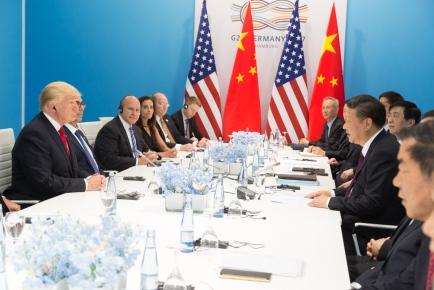 President_Donald_J._Trump_and_President_Xi_Jinping_at_G20,_July_8,_2017.jpg